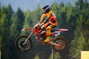 Kaven Benoit Dominates The MX2 Class with a 1-1 Win in Nanaimo!