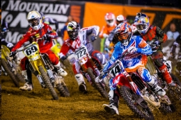 Seely Overcomes Tough Start to Post Solid Sixth-Place Finish