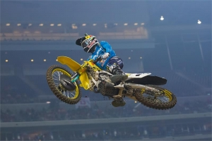 STEWART MOVES TO 2ND AT HOUSTON SX