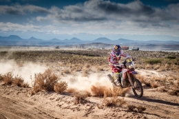 The Dakar enters Bolivia with Paulo Gonçalves leading the race