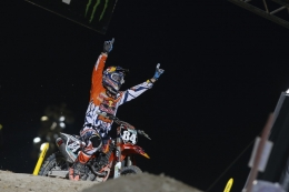 JEFFREY HERLINGS CELEBRATES WINNING RETURN TO RACING IN QATAR
