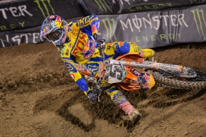 DUNGEY AND ROCZEN 2-3 AT MONSTER ENERGY CUP