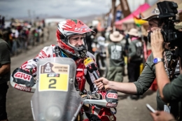 Team HRC, current Dakar leader, poised for the second week of racing