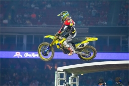 YOSHIMURA SUZUKI'S BAGGETT FIGHTS-BACK AT HOUSTON