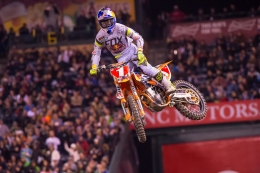 DUNGEY PLACES SECONDS AT OPENING SUPERCROSS EVENT