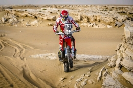 Barreda and Goncalves on the Qatar Sealine Rally final podium