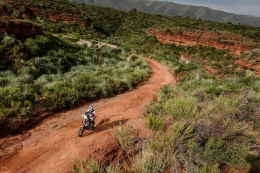 KTM'S PRICE PUTS IN A SOLID DAY TO FINISH FIFTH IN DAKAR STAGE 4